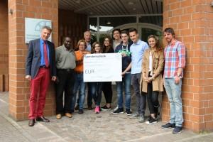 Die SV überreichte eine Spende in Höhe von 1050 Euro.