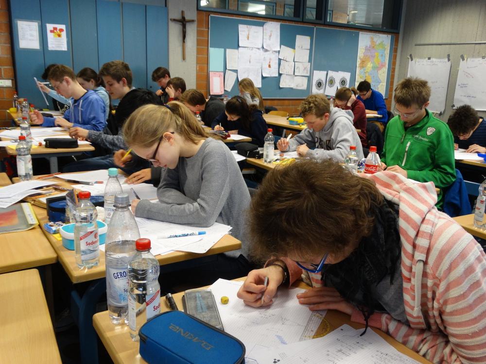 1. Runde des Mathematik-Wettbewerbs gestartet