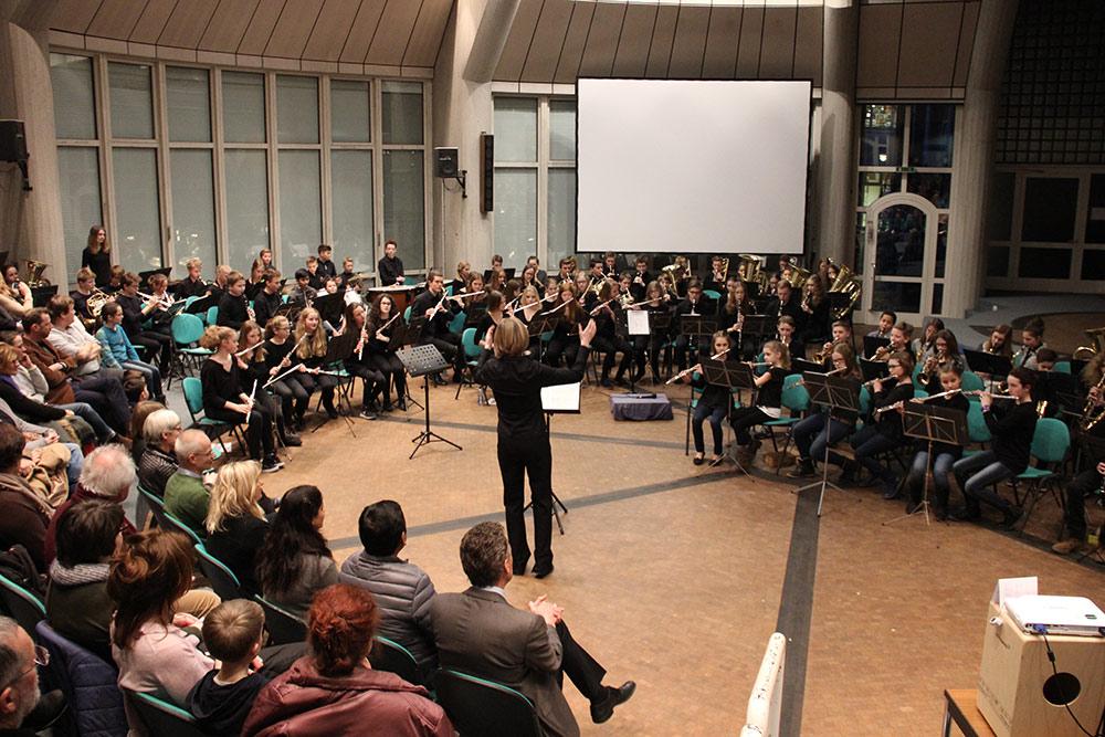 Bläserklassen mit viel Applaus für Konzert belohnt