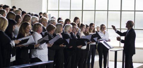 Chor am Mallinckrodt singt in evangelischer Stadtkirche