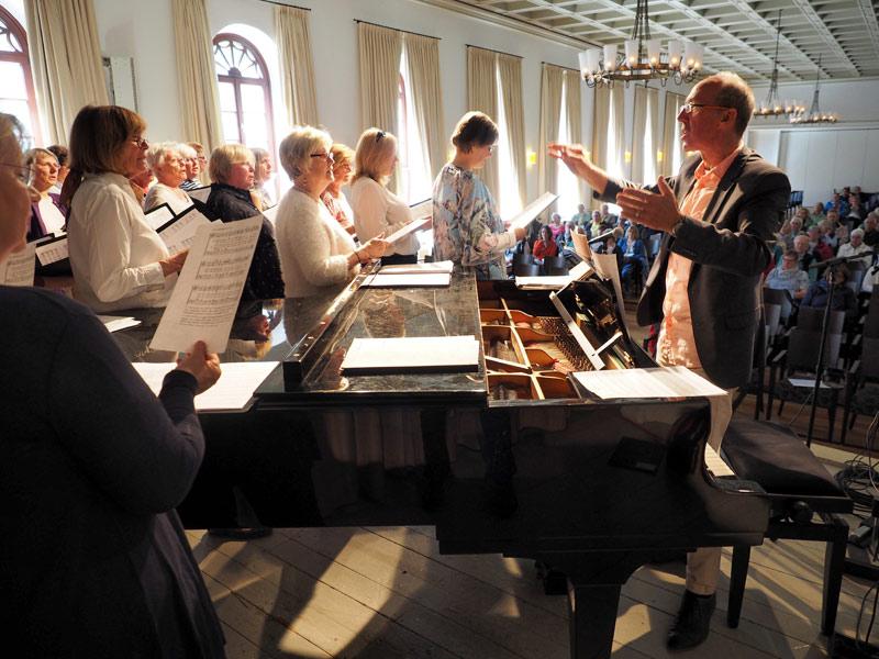 Zwischen Auftritten und Wattwürmern: Chorfahrt nach Norderney
