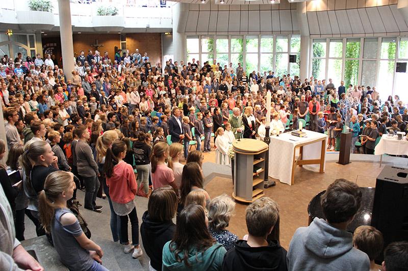 Mallinckrodt feiert Gottesdienst zum Schuljahresbeginn