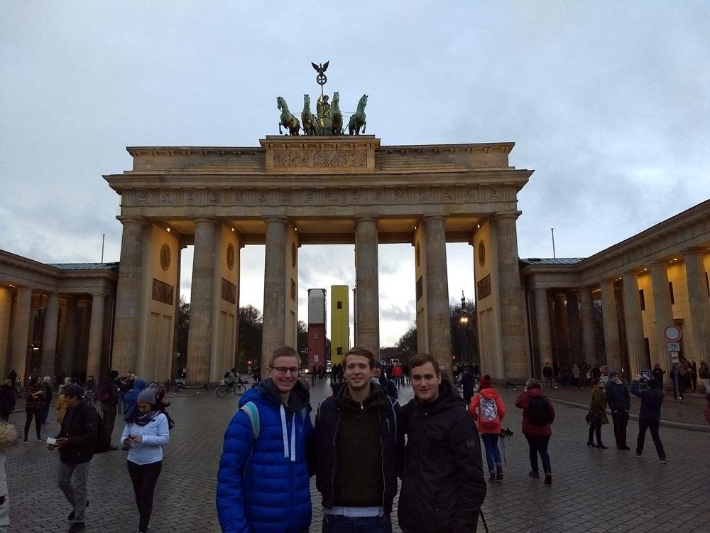 Leistungskurs Sowi auf Exkursion in Berlin