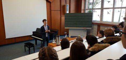 Weltbekannter Pianist zu Gast im Musikunterricht