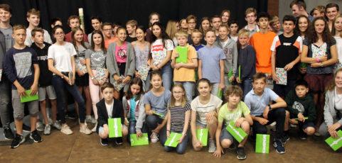 Wortgottesdienst und Ehrungen zum Schluss des Schuljahrs