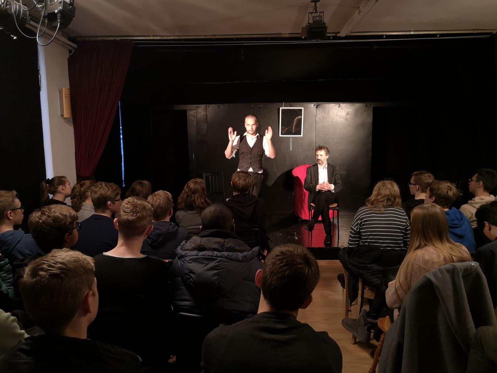 Goethes Faust: Eindrucksvolles Kammerspiel in Essen