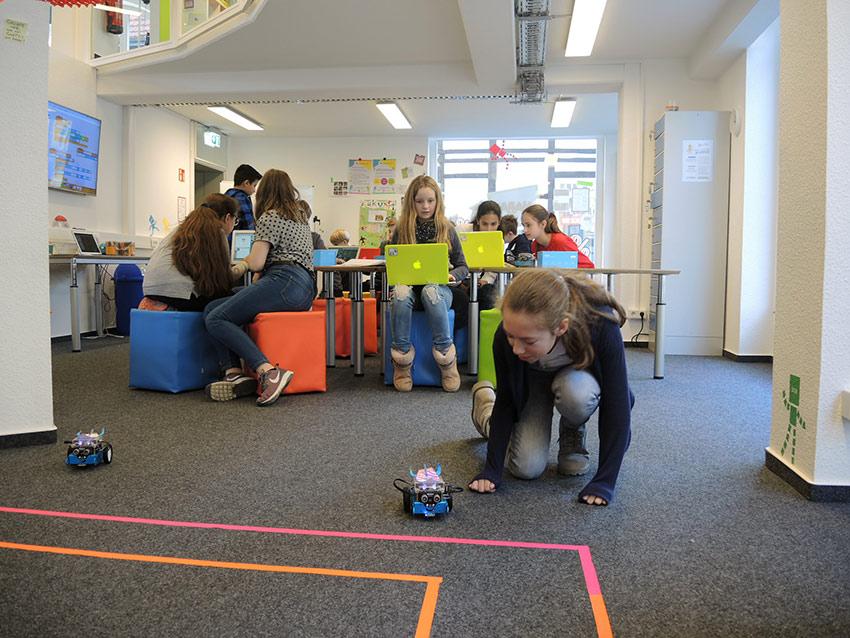 Roboter-Workshop: Trickfilm-AG löst Gutschein ein