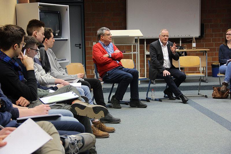Uni trifft Schule: Gespräche über Gott und die Welt
