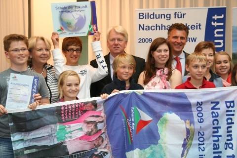"""Hannelore Kraft ehrt Mallinckrodt als """"Schule der Zukunft"""""""